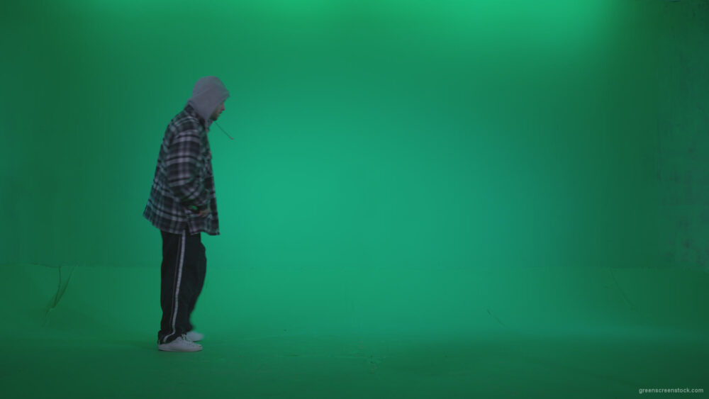 vj video background Bad-Boy-Spraying-Graffiti-z2-Green-Screen-Video-Footage_003