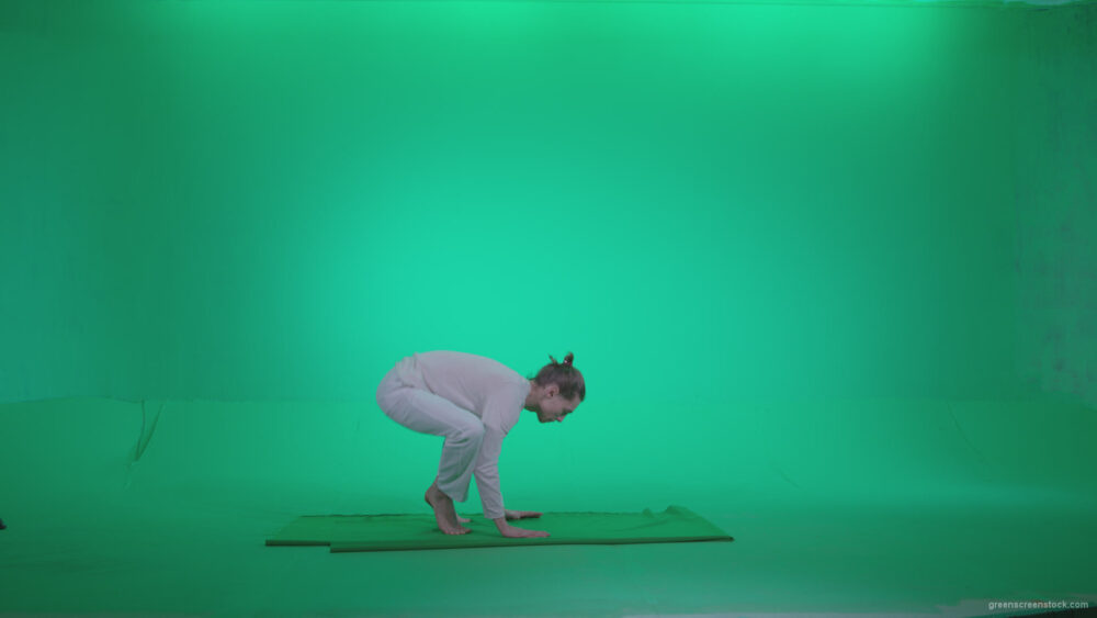 vj video background Man-practicing-yoga-shanti3_003