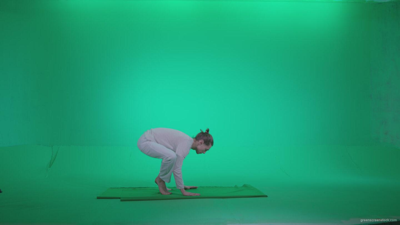 vj video background Man-practicing-yoga-shanti3_003