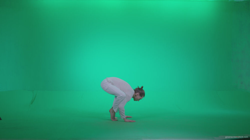 vj video background Man-practicing-yoga-shanti4_003