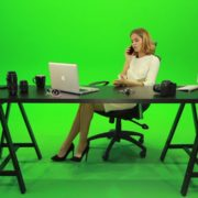 Angry-Business-Woman-Talking-on-the-Phone-Green-Screen-Footage_007 Green Screen Stock
