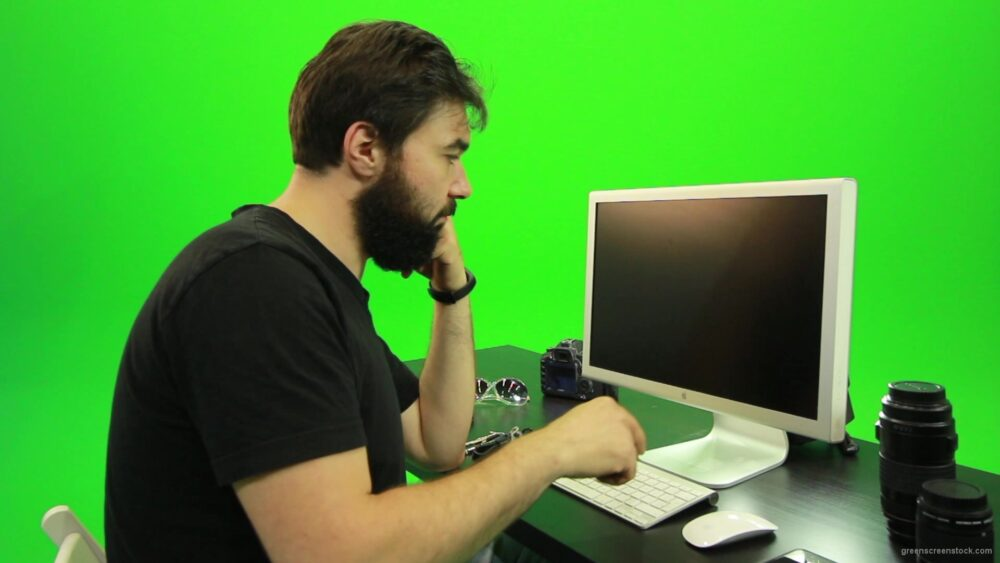 vj video background Beard-Man-Angry-Button-Pushing-Green-Screen-Footage_003