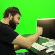 vj video background Beard-Man-Beats-the-Screen-Green-Screen-Footage_003