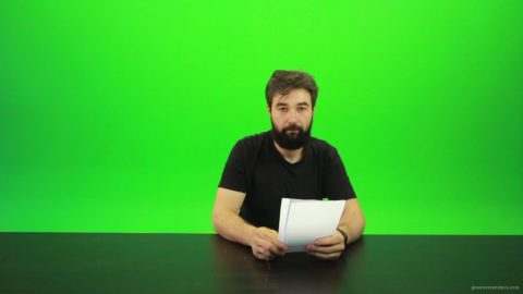 vj video background Beard-Man-Gives-4-Points-Green-Screen-Footage_003