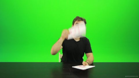 vj video background Beard-Man-Gives-5-Points-Green-Screen-Footage_003