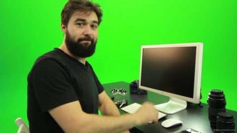 vj video background Beard-Man-Pushes-the-Button-Green-Screen-Footage_003