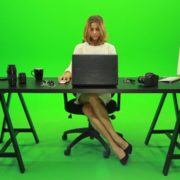 Business-Woman-Working-in-the-Office-2-Green-Screen-Footage_005 Green Screen Stock