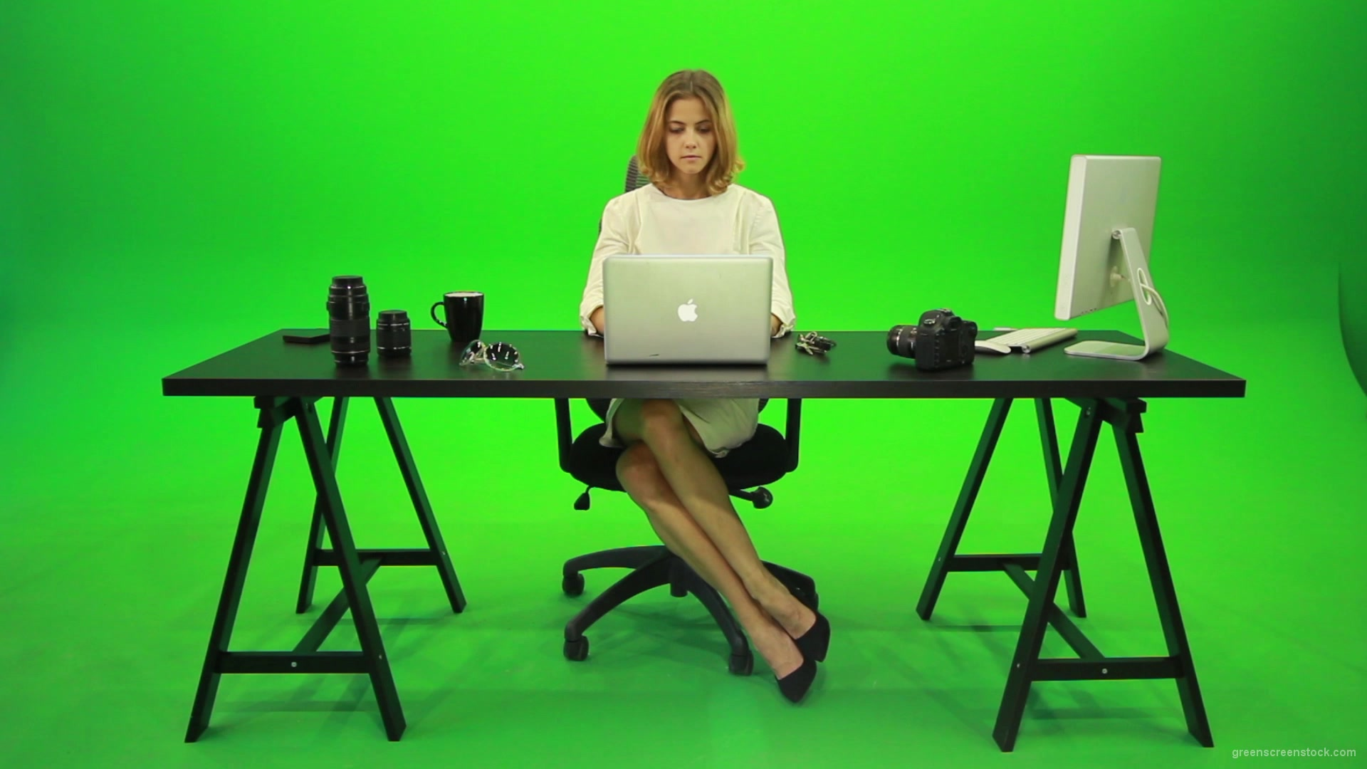 Business Woman Working In The Office Green Screen Footage