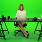 Business-Woman-Working-in-the-Office-Green-Screen-Footage_004 Green Screen Stock