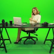 Happy-Business-Woman-Talking-on-the-Phone-Green-Screen-Footage_005 Green Screen Stock