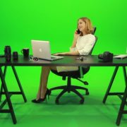 Happy-Business-Woman-Talking-on-the-Phone-Green-Screen-Footage_007 Green Screen Stock