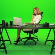 Happy-Business-Woman-Talking-on-the-Phone-Green-Screen-Footage_008 Green Screen Stock