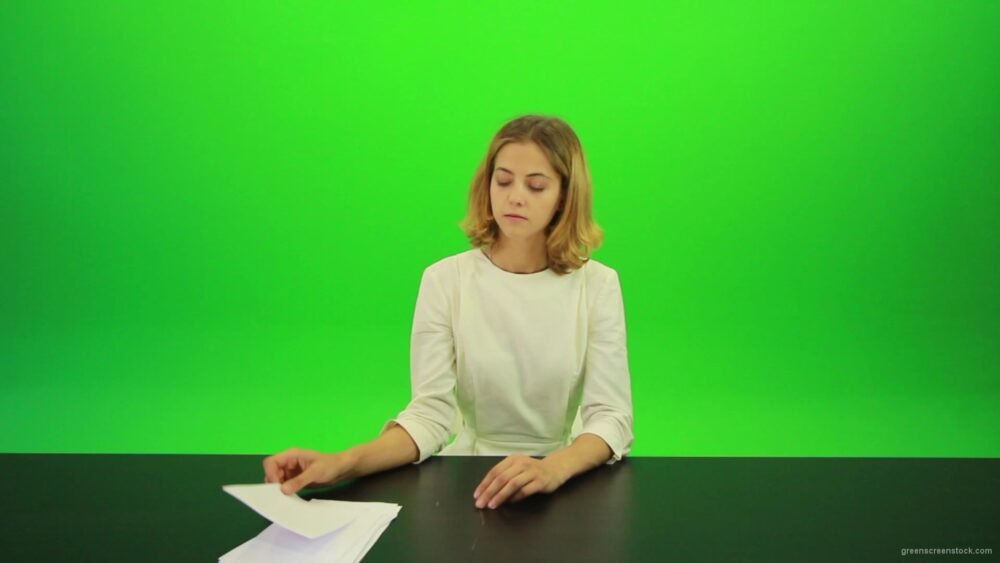 vj video background Woman-Gives-2-Points-3-Green-Screen-Footage_003