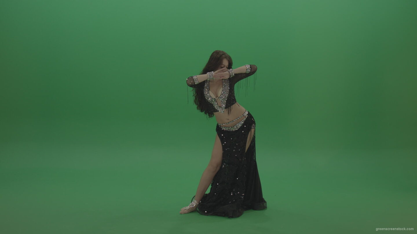 Admirable-belly-dancer-in-black-wear-display-amazing-dance-moves-over-chromakey-background_004 Green Screen Stock