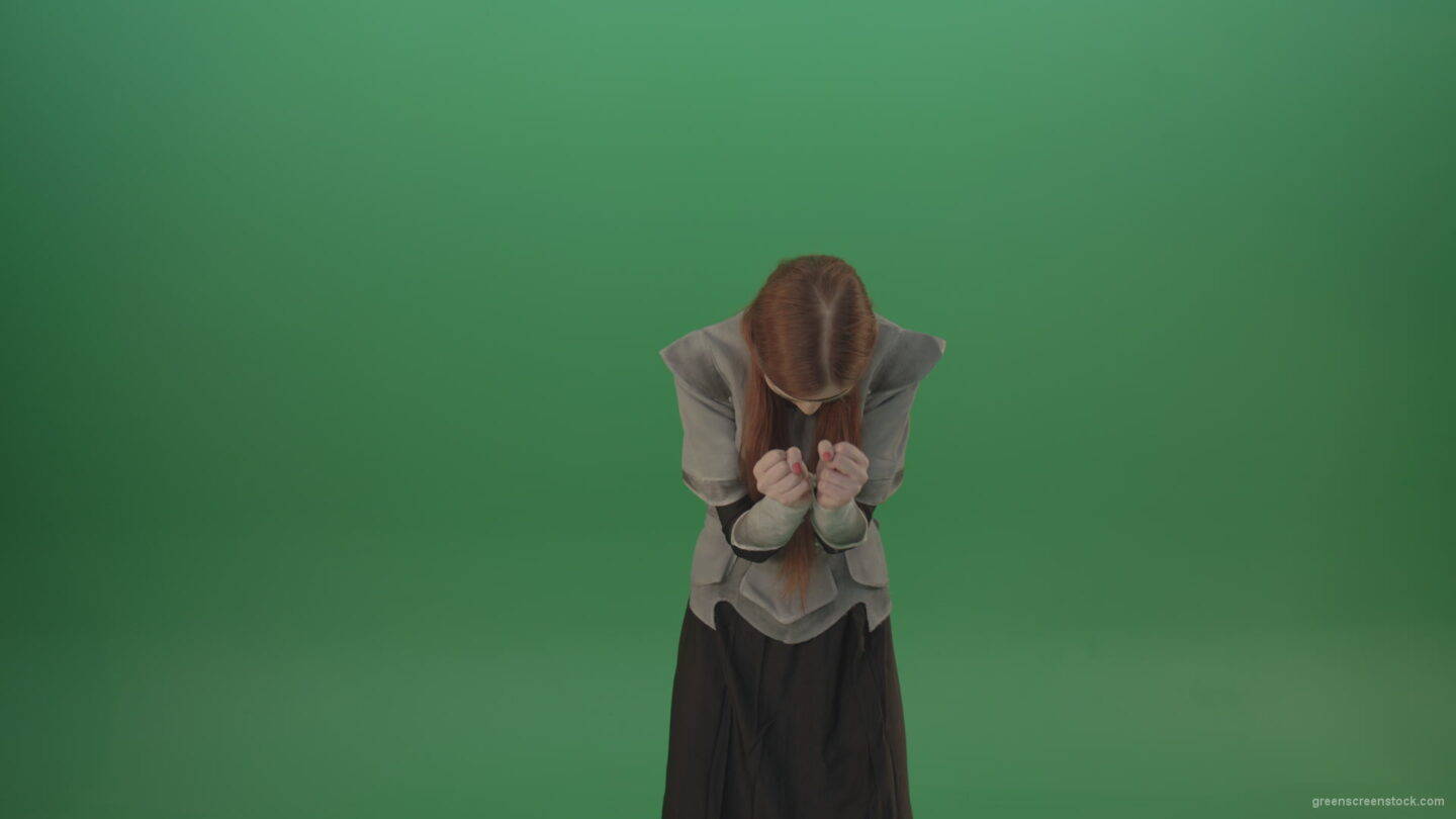 vj video background Аngry-girl-yelling-and-waving-her-hands-on-a-green-background._003