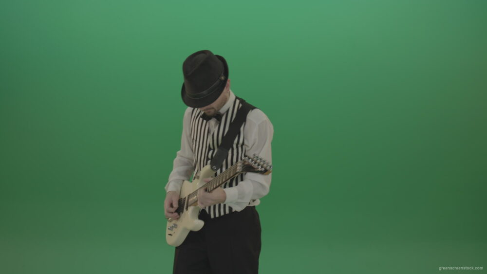 vj video background Dramatic-virtuoso-man-playing-guitar-solo-music-isolated-on-chromakey-green-screen_003