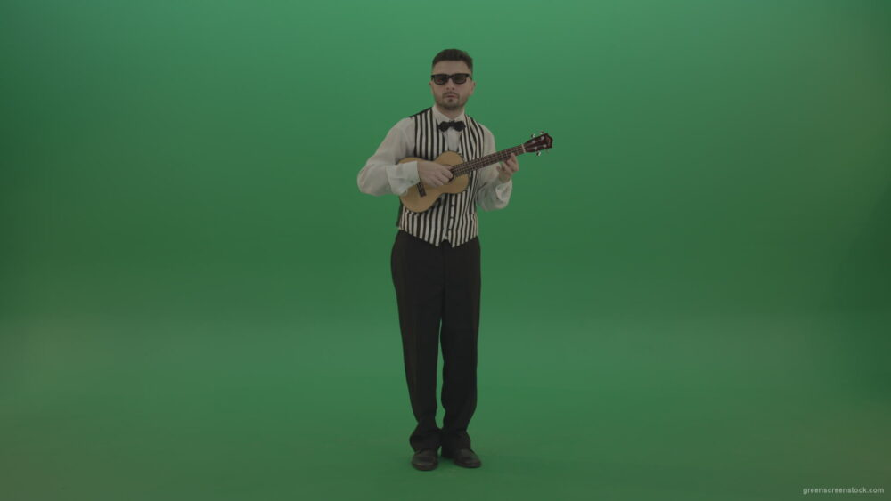 vj video background Man-in-glass-play-small-classic-guitar-banjo-music-in-green-screen_003