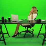 Angry-Business-Woman-Talking-on-the-Phone-Green-Screen-Footage_004 Green Screen Stock