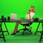 Angry-Business-Woman-Talking-on-the-Phone-Green-Screen-Footage_006 Green Screen Stock