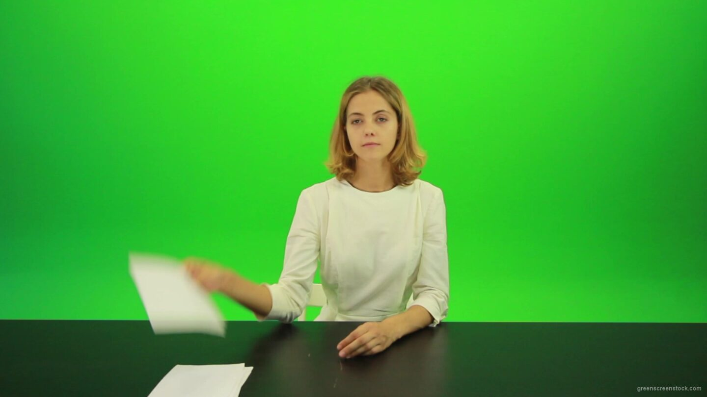vj video background Blonde-girl-adult-gives-1-one-point-mark-score-Full-HD-Green-Screen-Video-Footage_003