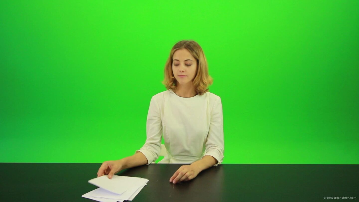 vj video background Blonde-shy-jury-gives-two-2-points-mark-Full-HD-Green-Screen-Video-Footage_003