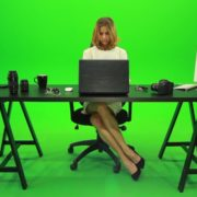 Business-Woman-Working-in-the-Office-2-Green-Screen-Footage_008 Green Screen Stock