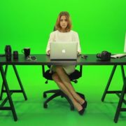 Business-Woman-Working-in-the-Office-Green-Screen-Footage_001 Green Screen Stock