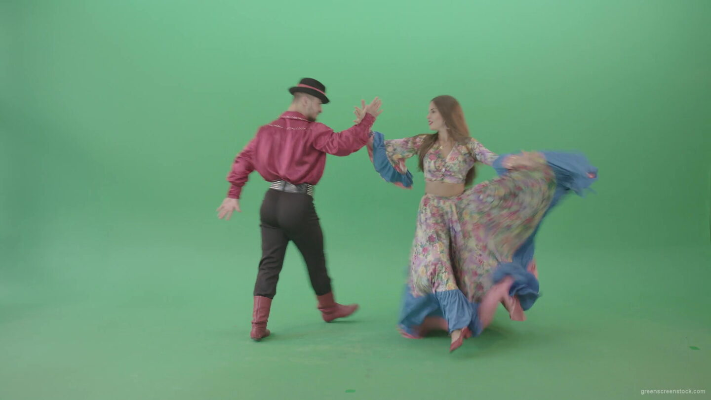 vj video background Folk-national-romania-dance-by-gypsy-tzigane-couple-isolated-on-green-screen-4K-video-footage-1920_003