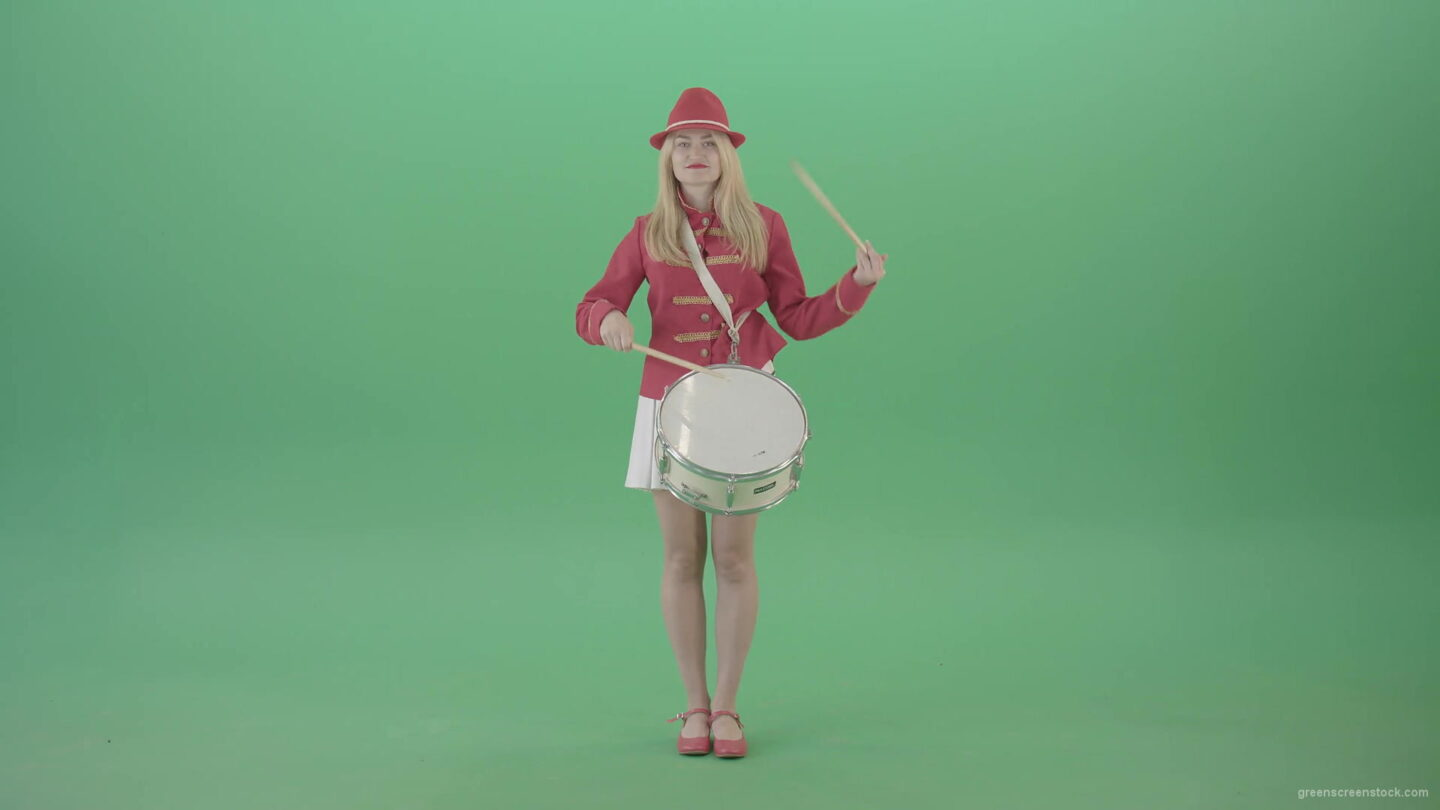 vj video background Girl-in-18-Century-military-uniform-play-snare-drum-isolated-on-green-screen-4K-Video-Footage-1920_003