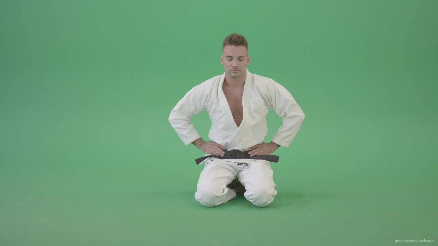 vj video background Jujutsu-Sport-man-meditating-and-breathing-slowly-isolated-on-green-screen-4K-Video-Footage-1920_003