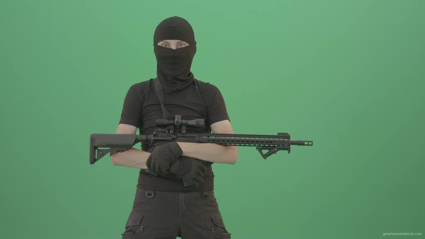 vj video background Pack-shot-Army-strike-man-posing-with-machine-gun-over-green-screen-4K-Video-Footage-1920_003