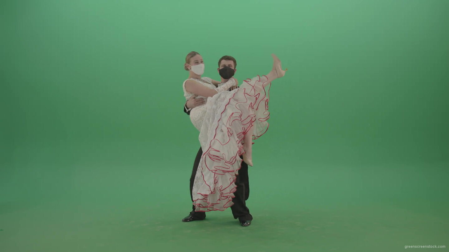 vj video background Funny-Man-in-Covid-19-mask-can-not-hold-classic-wife-on-green-screen-4K-Video-Footage-1920_003
