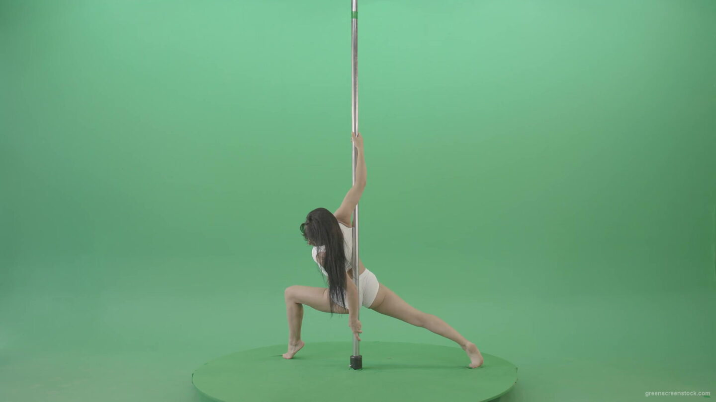Acrobatic-gymnastics-making-spin-element-on-Pole-Pilon-on-green-screen-4K-Video-Footage-1920_009 Green Screen Stock