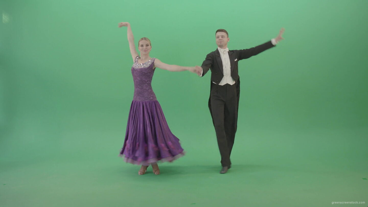 Ballroom-dance-couple-on-green-screen-makes-open-up-reverence-4K-Video-Footage-1920_004 Green Screen Stock