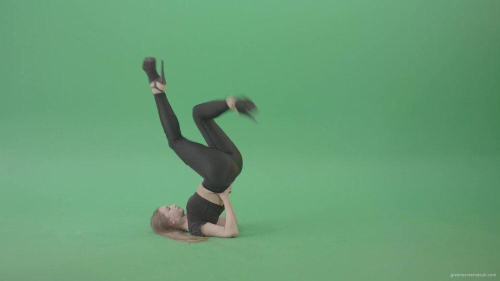 vj video background Girl-on-green-screen-in-side-view-make-legs-dance-4K-Video-Footage-1920_003
